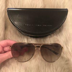 Marc Jacobs gold rim aviator sunglasses 🕶